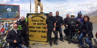 arrivée sommet Khardung moto