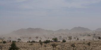 désert inde du nord rajasthan en moto