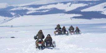 moto sur neige mongolie